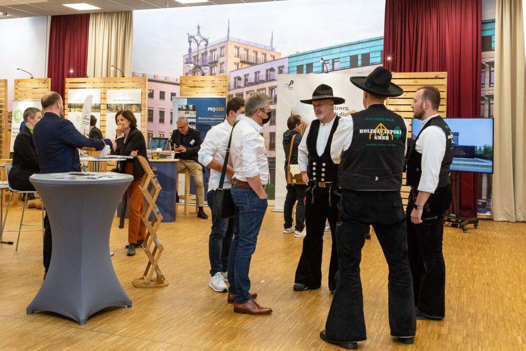 Aussteller beim 2. Deutscher Holzbau Kongress (DHK) mit Forum Holzbau