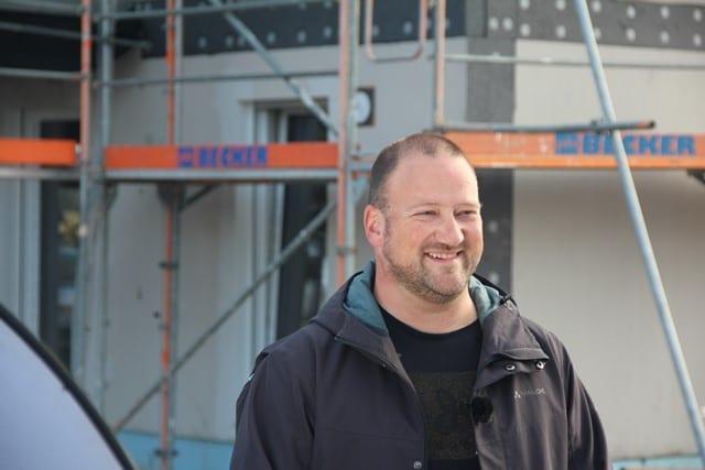 Stephan Zimniok, Bürgermeister von Birkenwerder, beim Baufest von Zum Glück Bötzow, 2.9.2021